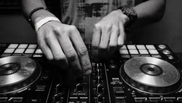 Contratar DJ profesional