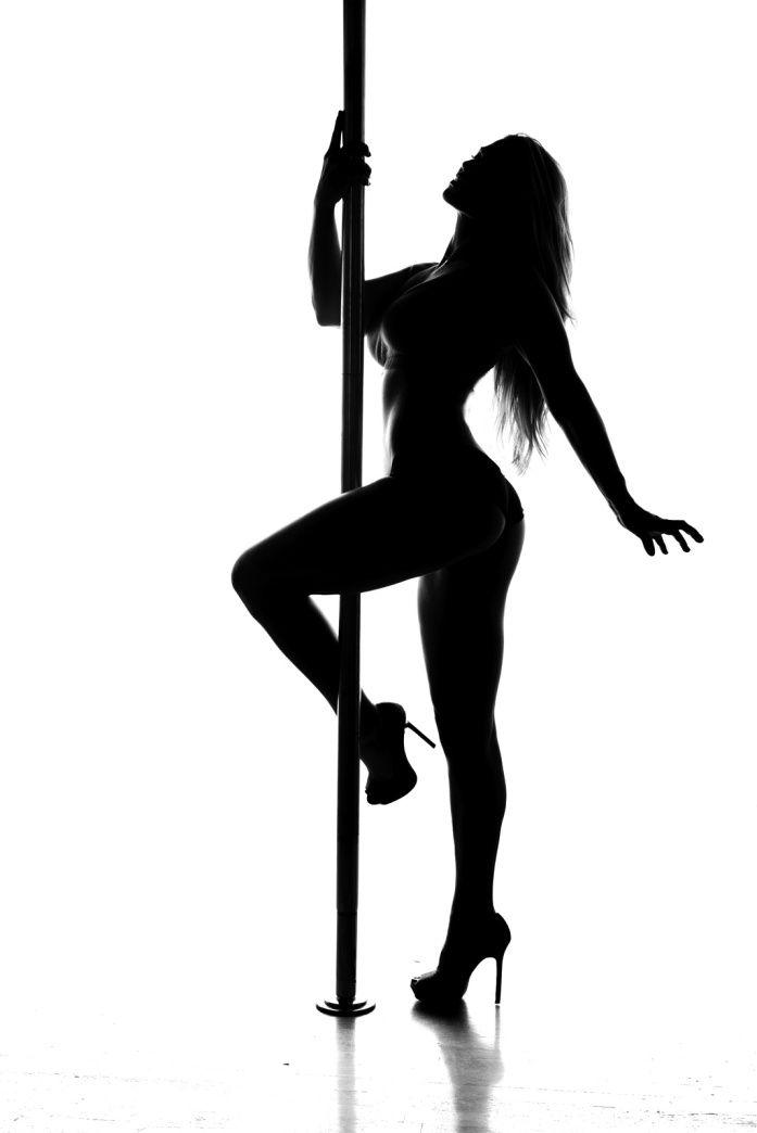 contratar show de pole dance erótico