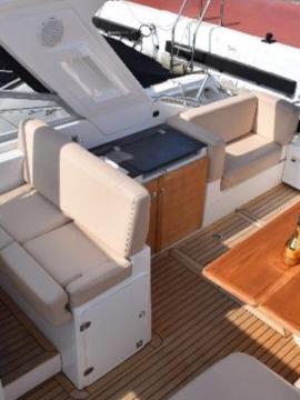 Barco para fiestas en Puerto José Banús Sealine SC35