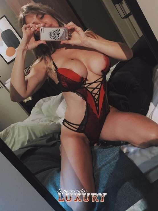 Contratar stripper en Ibiza para fiestas privadas